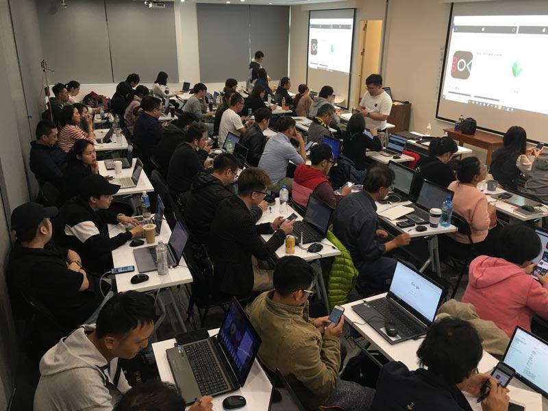 學員上金克網路行銷課程照片-6